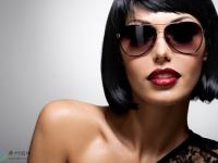 女人为什么喜欢戴墨镜?