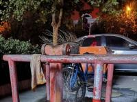 锦泰名城东门消防栓漏了三天水了。